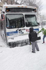 frontpg-nyc-bus-blizzard