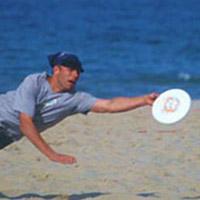 square-frisbee-beach